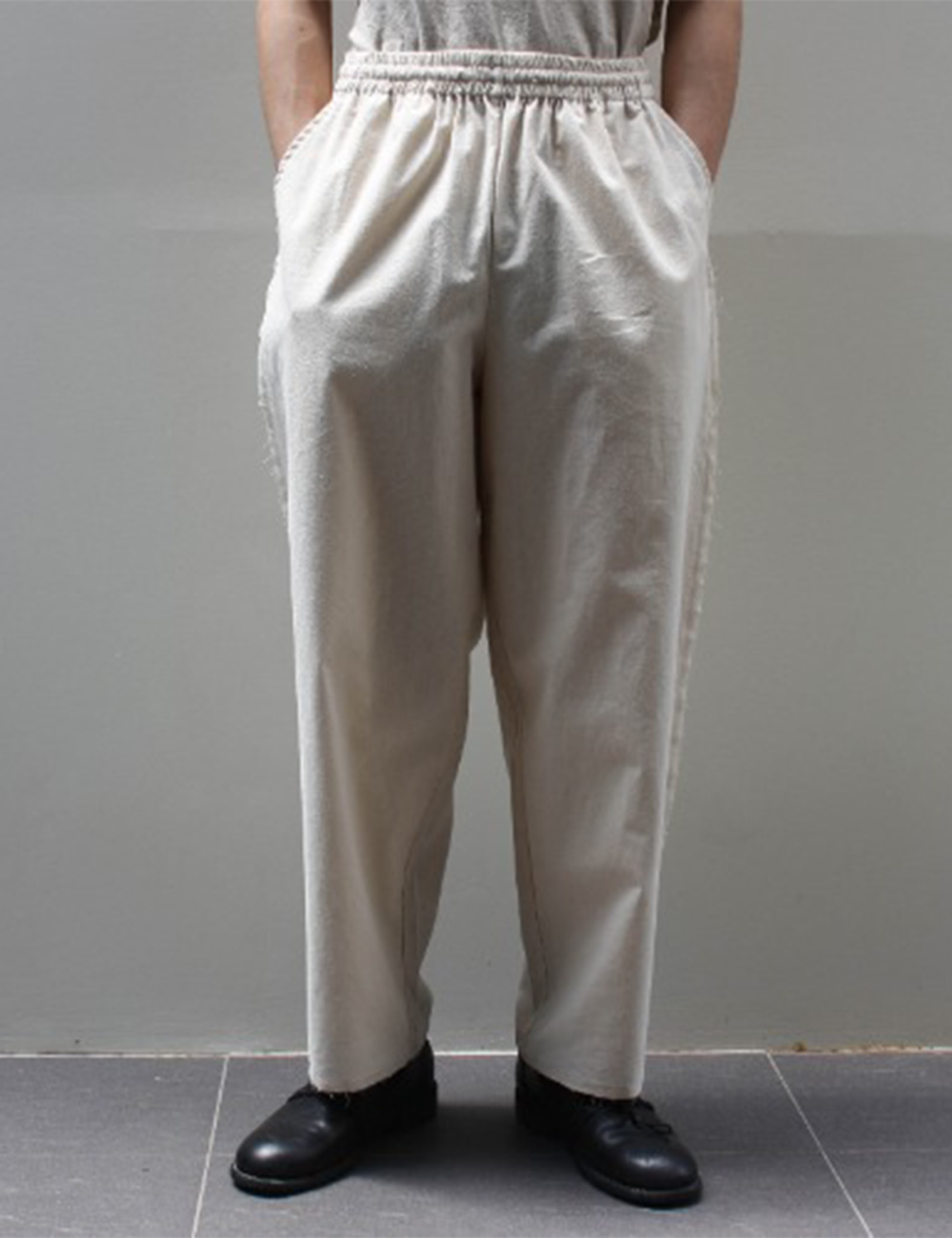 LITTLE SEXY STRAIGHT PANTS_NATURAL